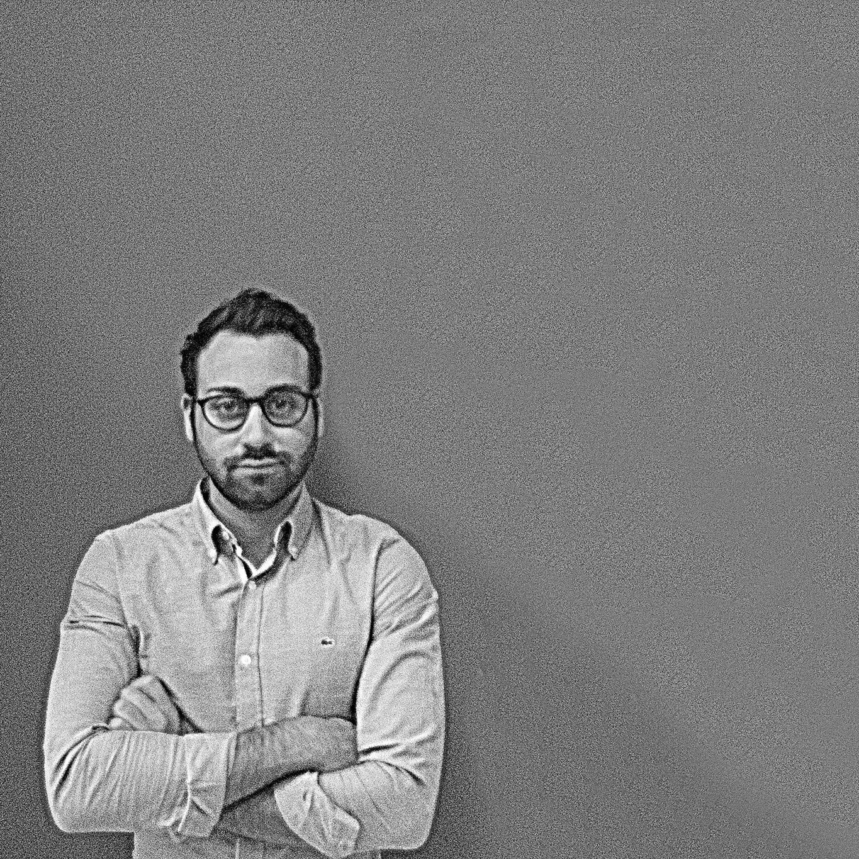 Raccontaci la tua storia andrea riccelli premio italia for Intervista sinonimo